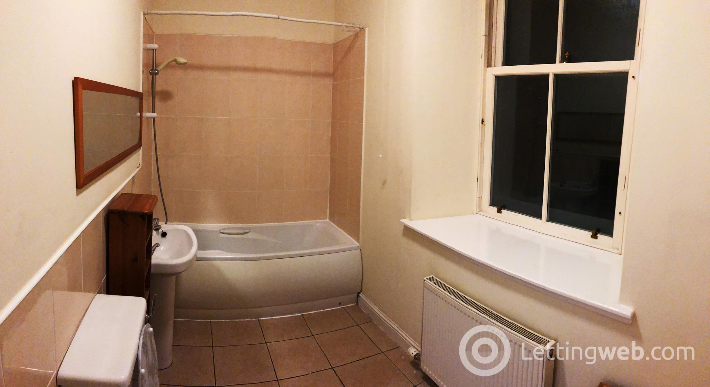 Property to rent in Castle Street, Dundee, DD1 3AF