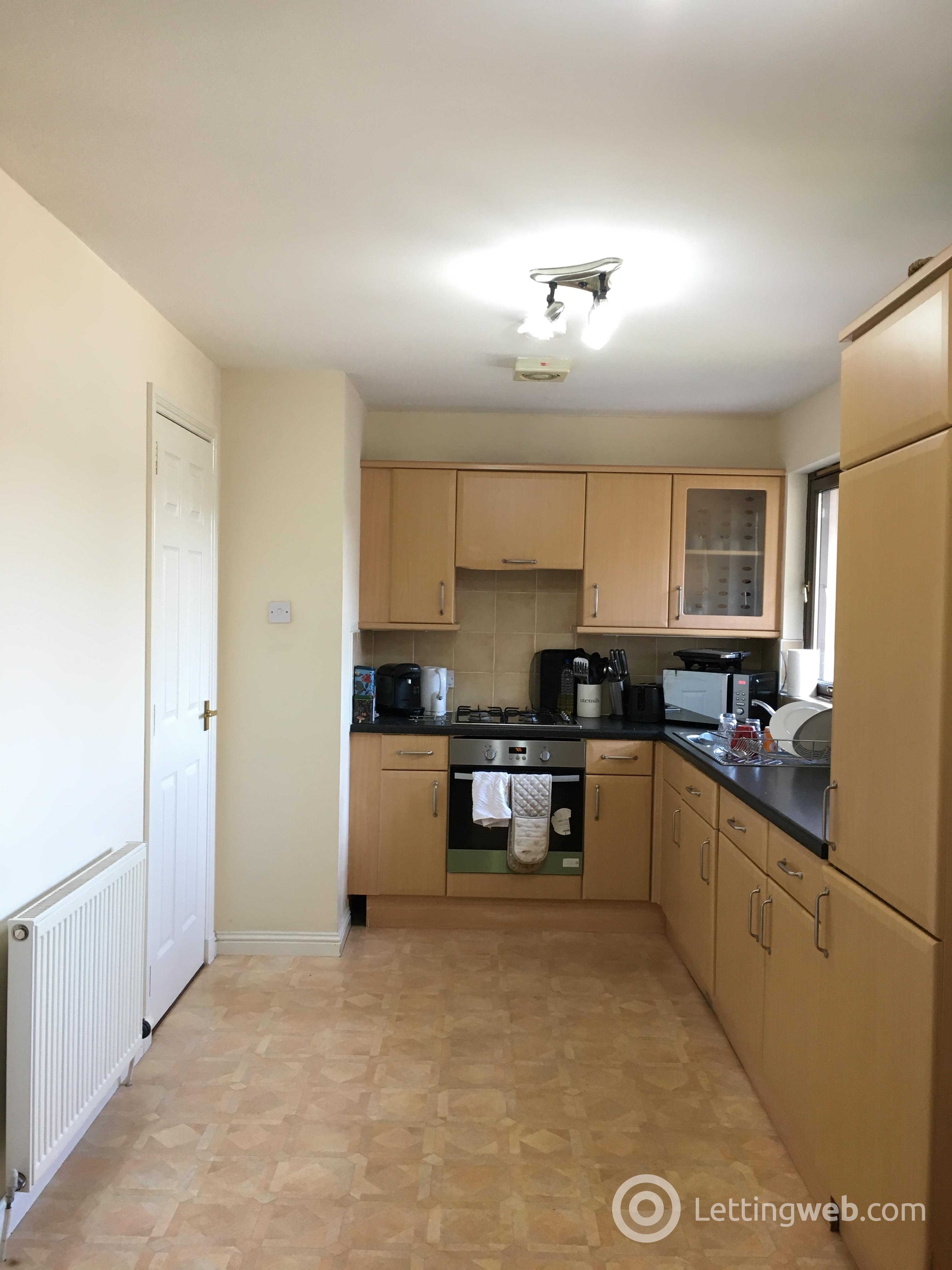 Property to rent in Oliphant Court Stirling FK8