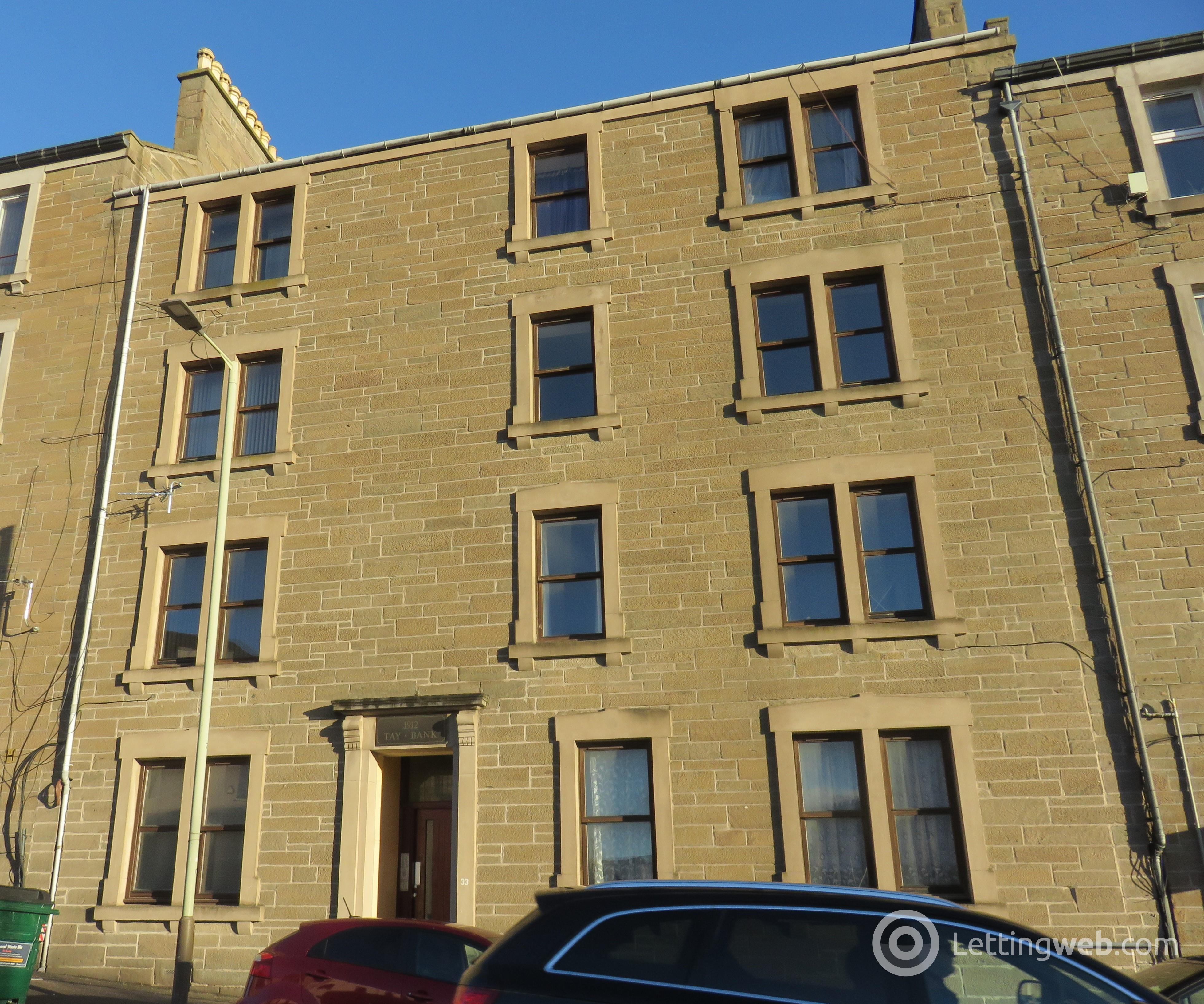Property to rent in 33 Provost Road 2/1