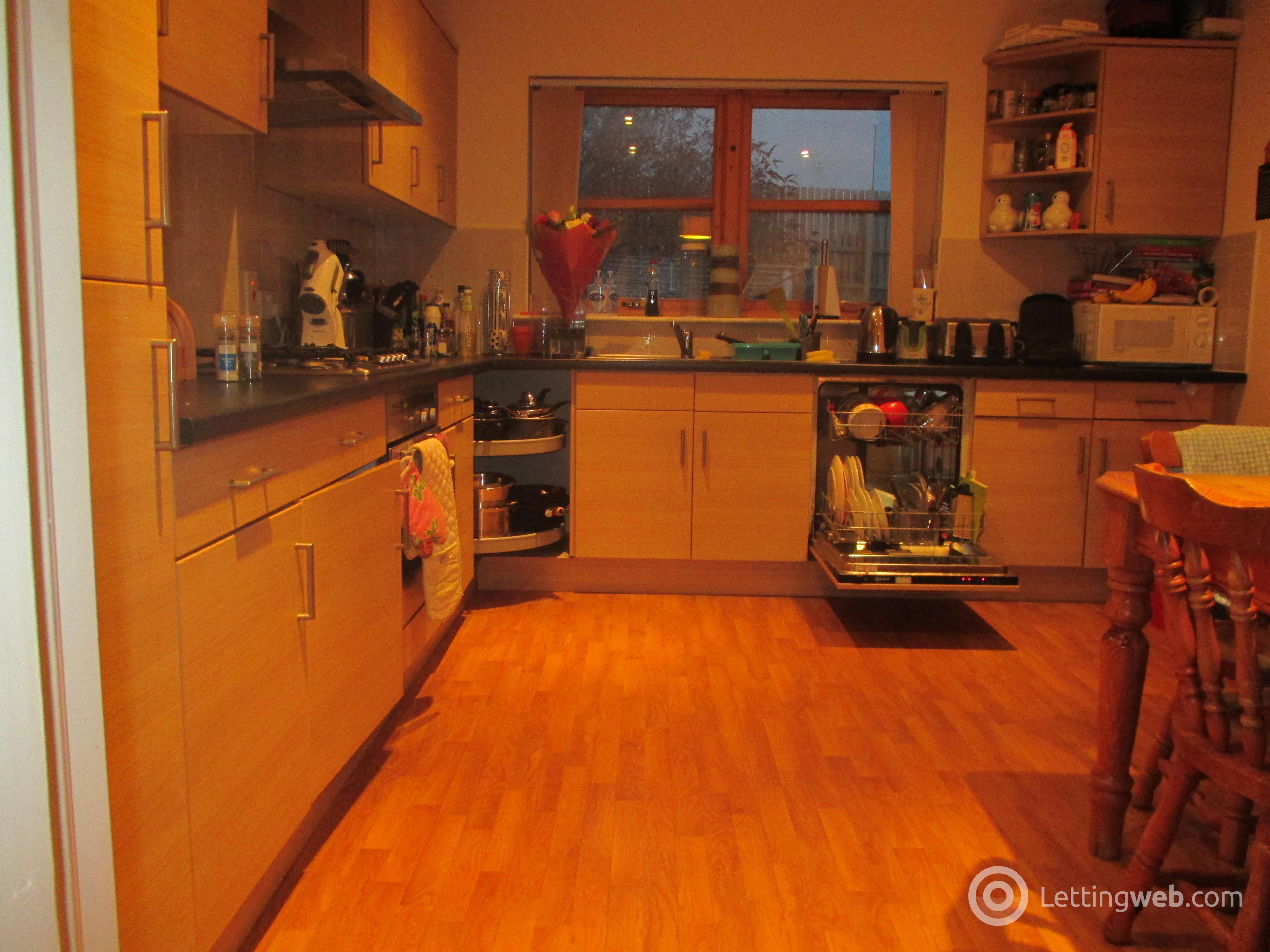 Property to rent in 12A Taylors Lane Dundee DD2 1AQ