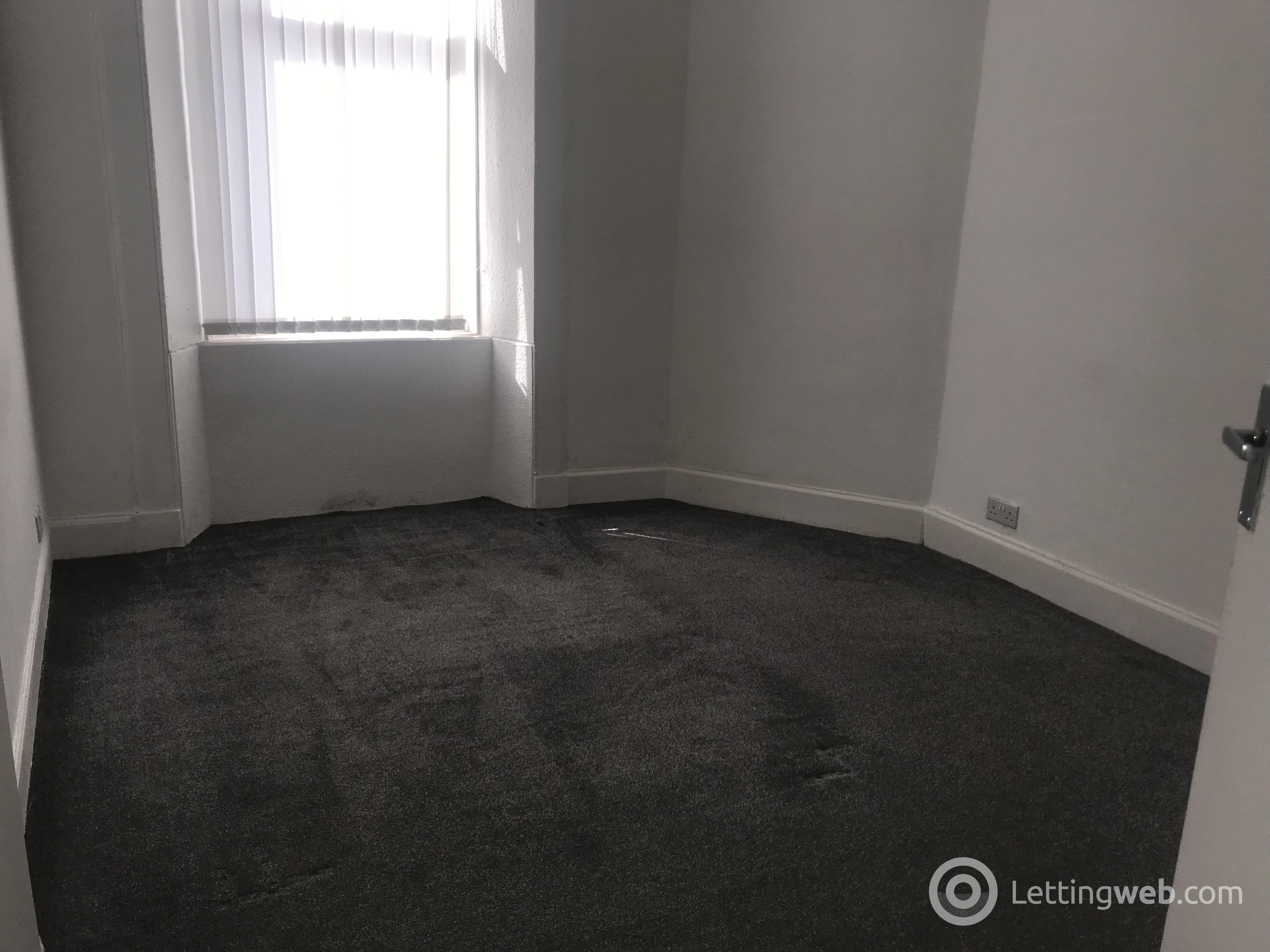 Property to rent in 0/2 274 Glasgow Road
