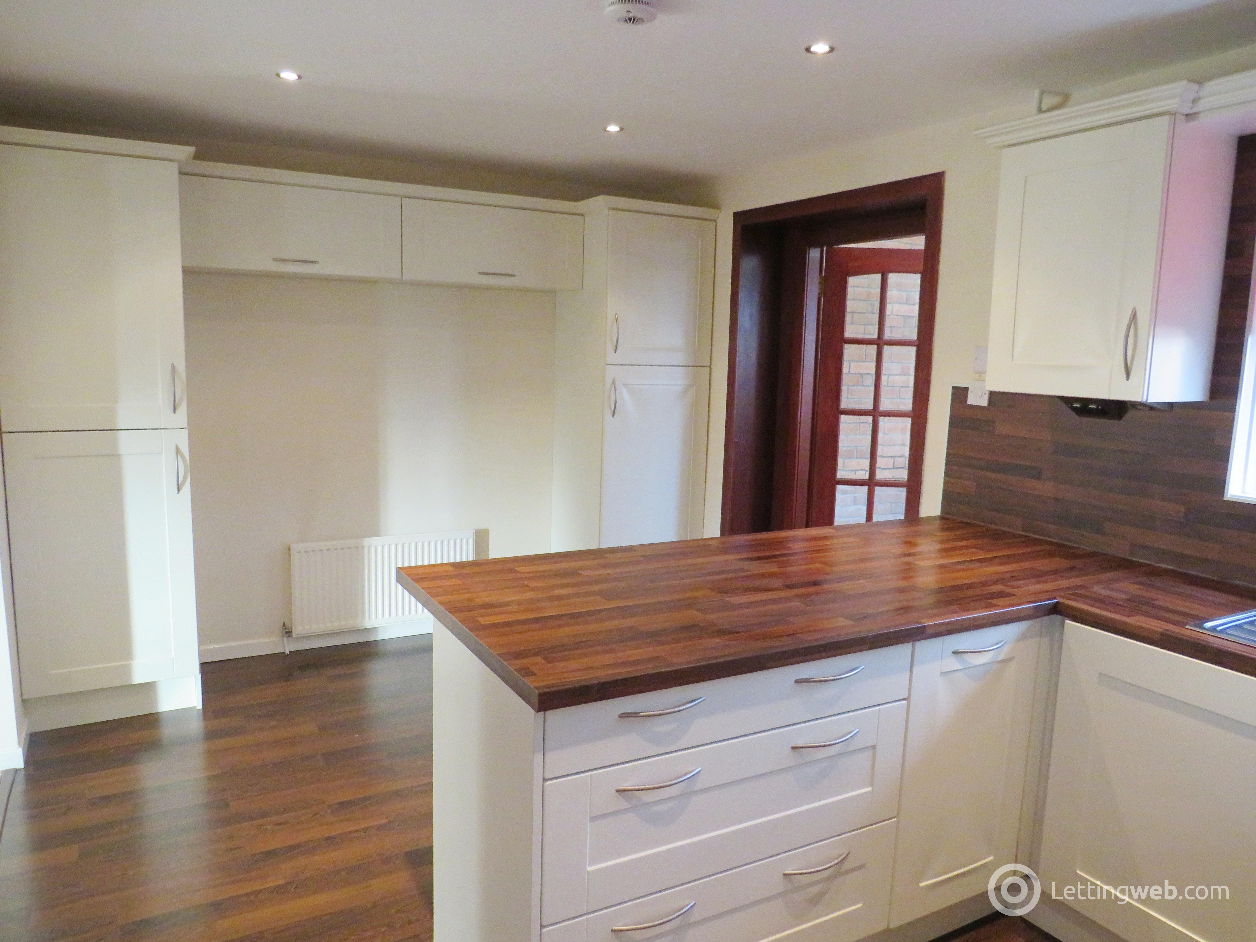 Property to rent in Windsor Gardens, Hamilton