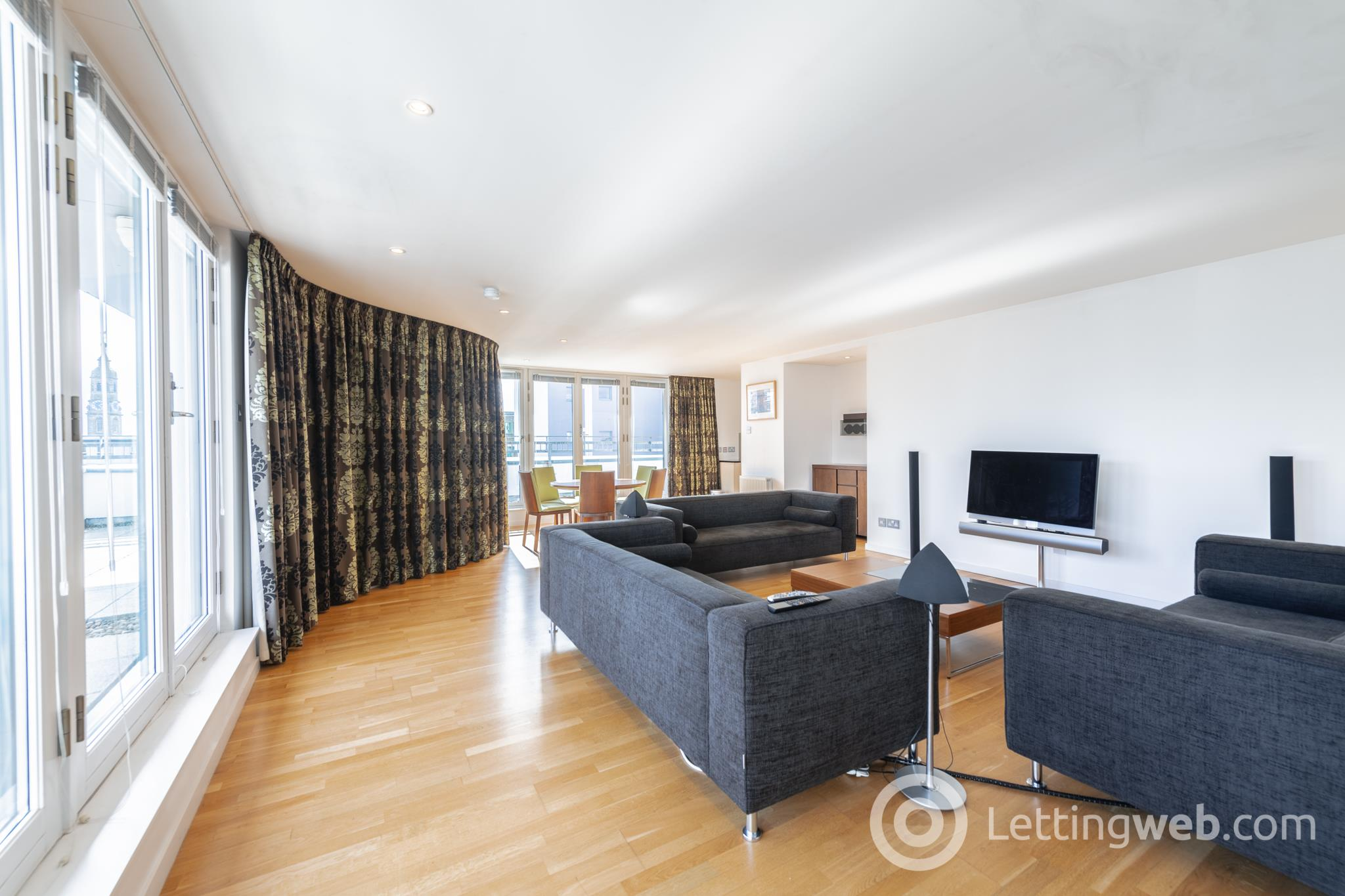 Property to rent in Penthouse - 21 Watson Street