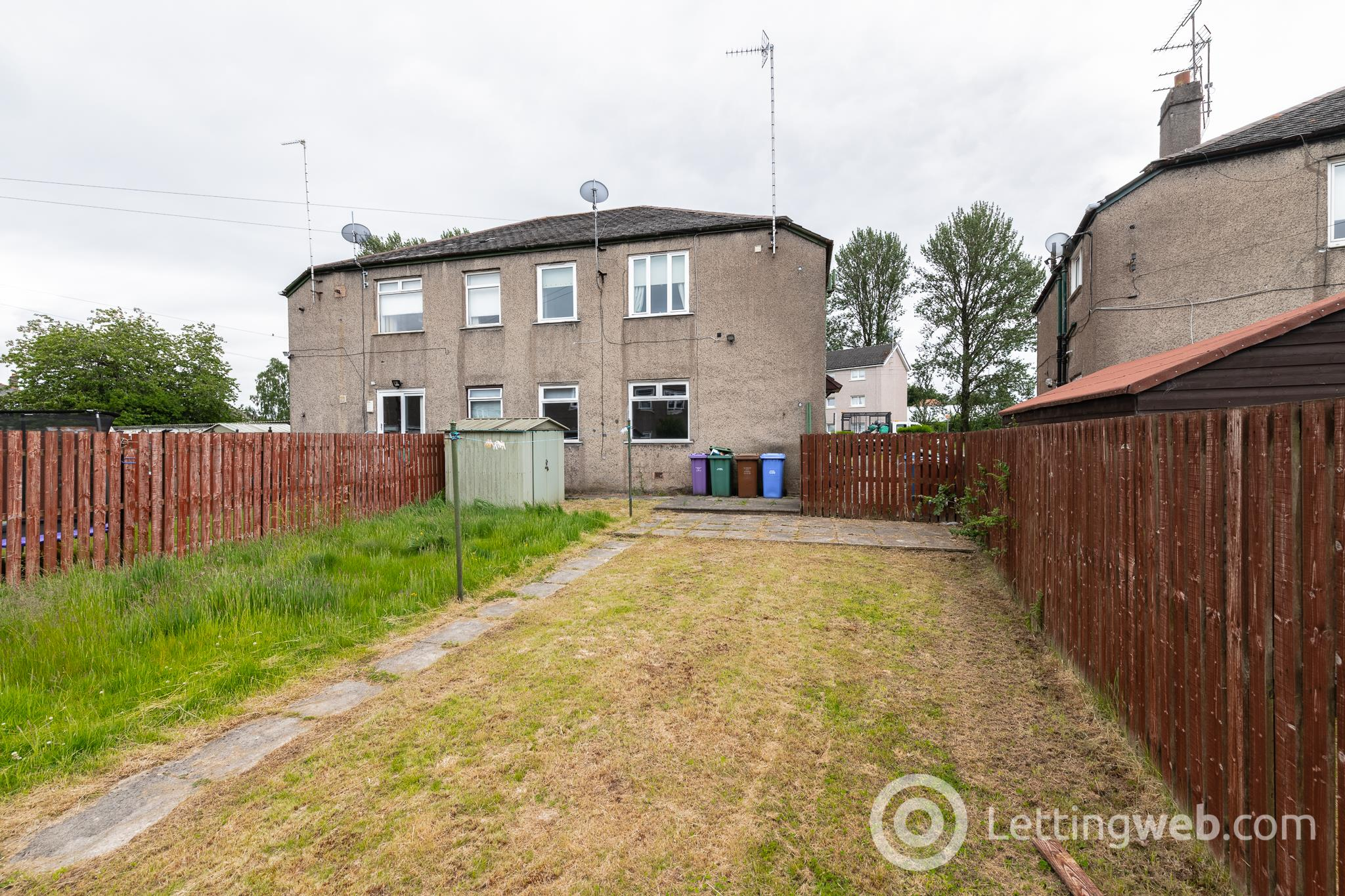 Property to rent in Kinnell Avenue