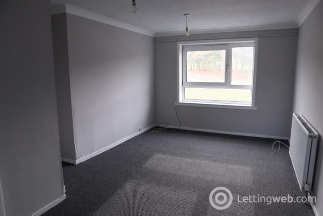 Property to rent in South Road Dundee