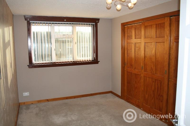 Property to rent in Balunie Avenue