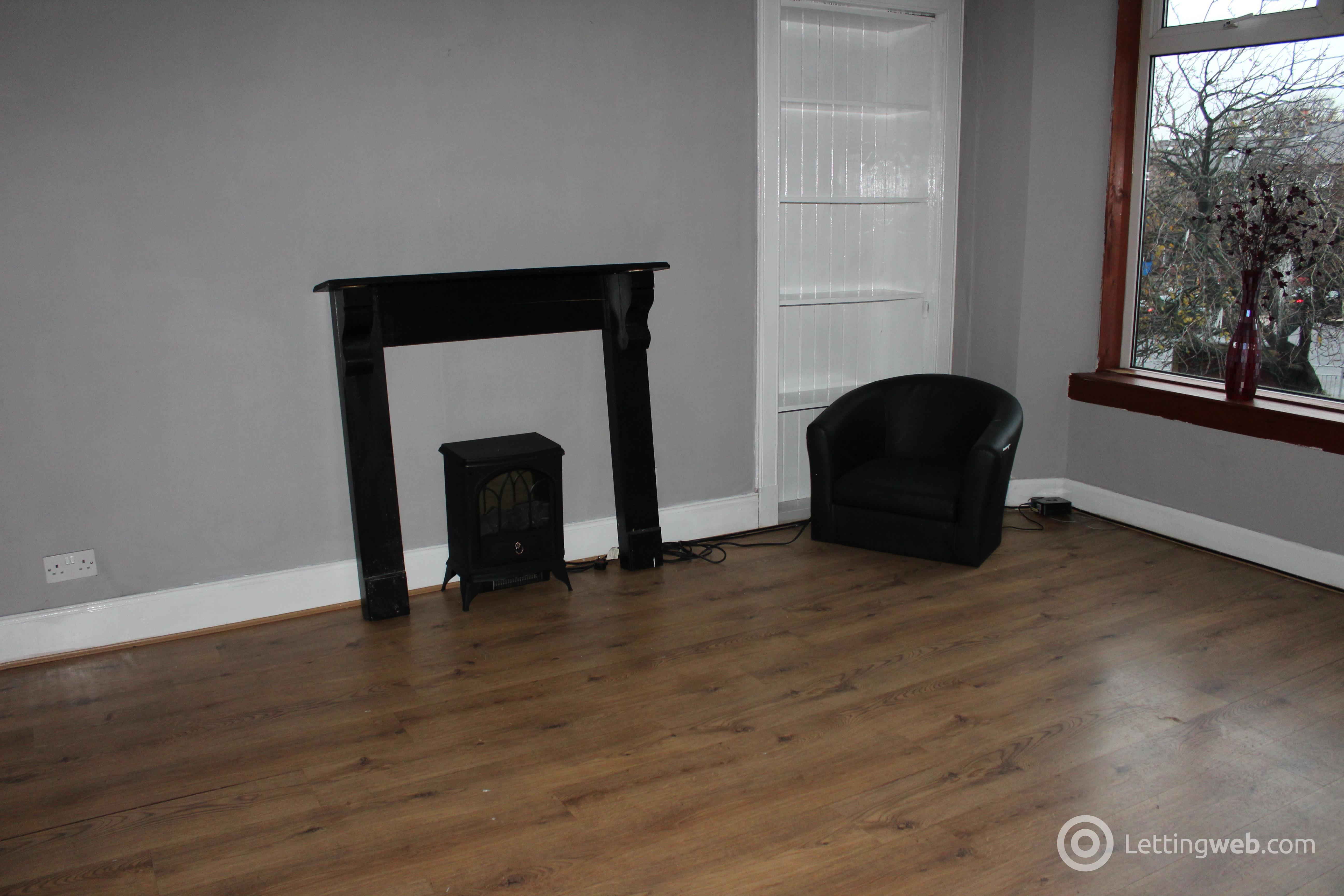 Property to rent in Flat 3, 22 Glencairn Square, Kilmarnock, KA1 4AH