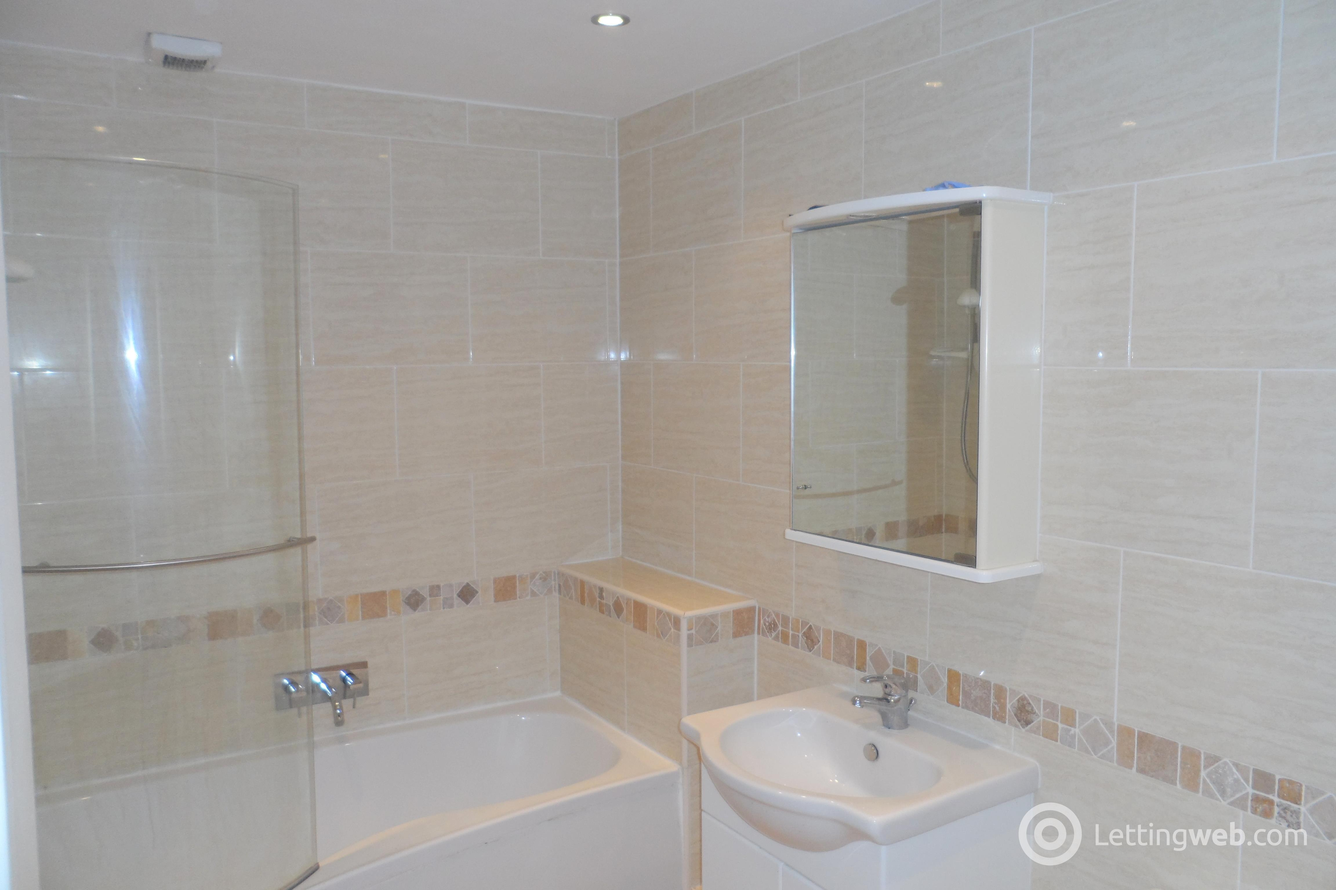 Property to rent in 9 Glencairn Crescent