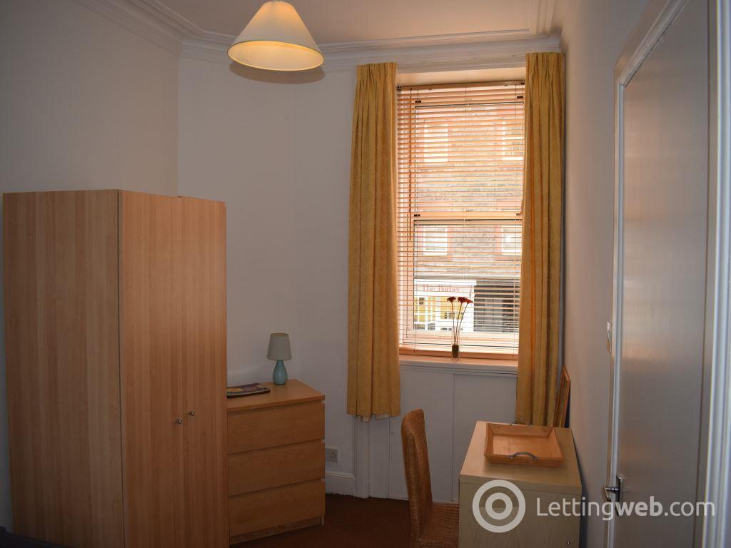 Property to rent in Causewayside, Newington, Edinburgh, EH9