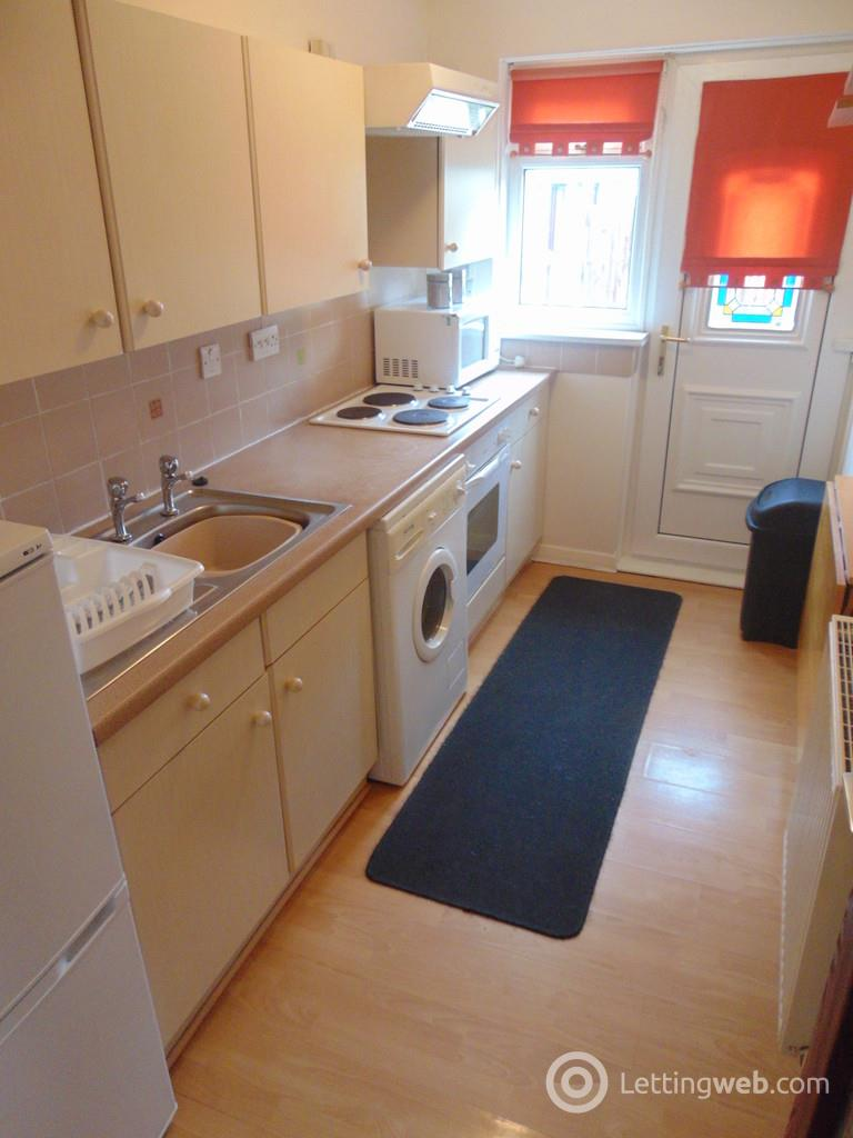 Property to rent in Malcolm Court, Bathgate