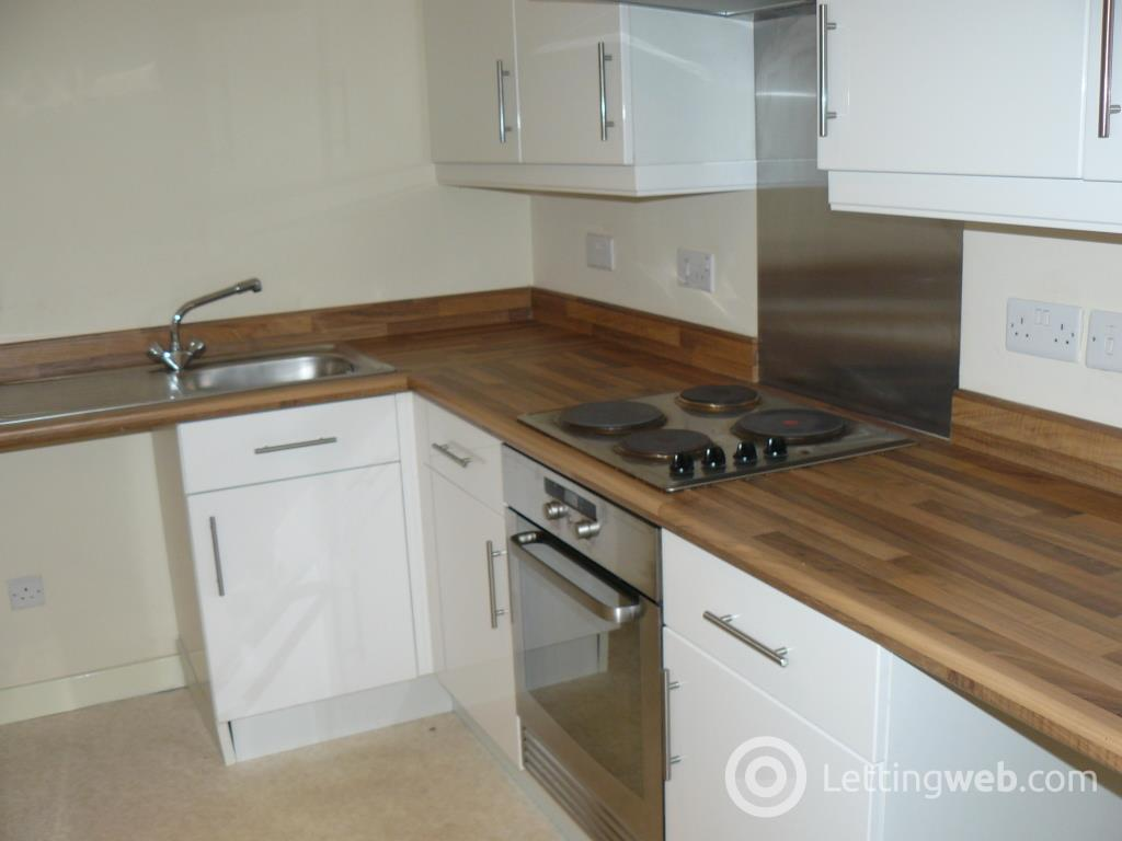 Property to rent in Glenmore Place, Toryglen, Glasgow, G42