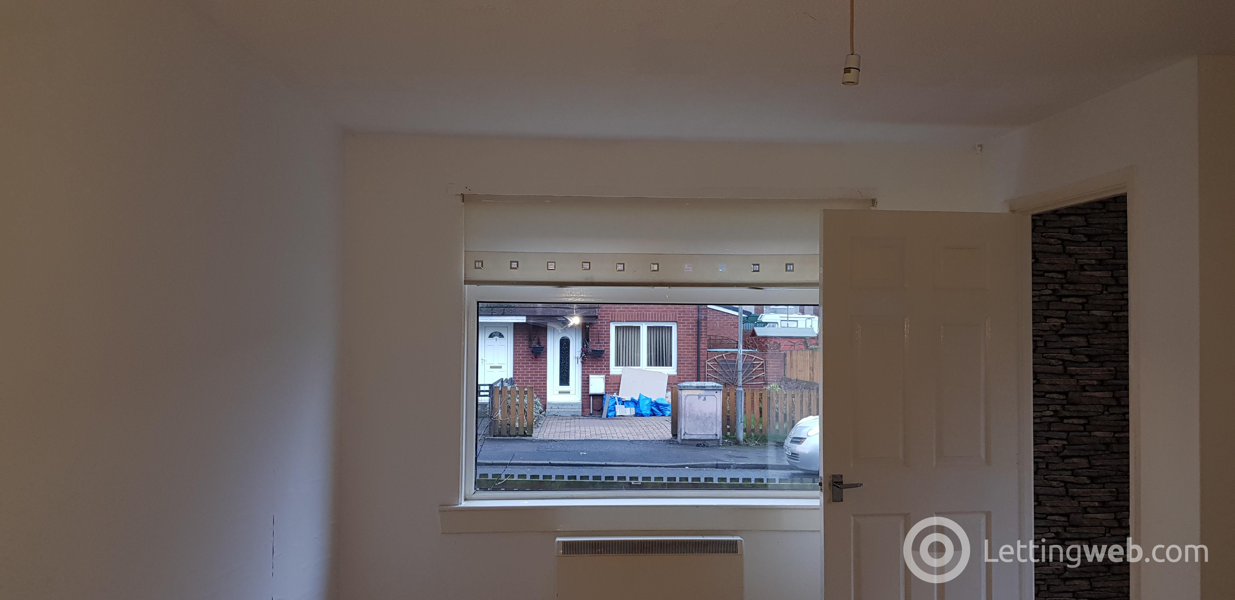 Property to rent in 4 Maukinfauld Court, Glasgow G32 8EN