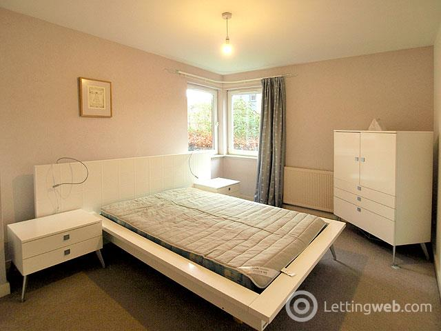 Property to rent in 1/2 Albion Gardens
