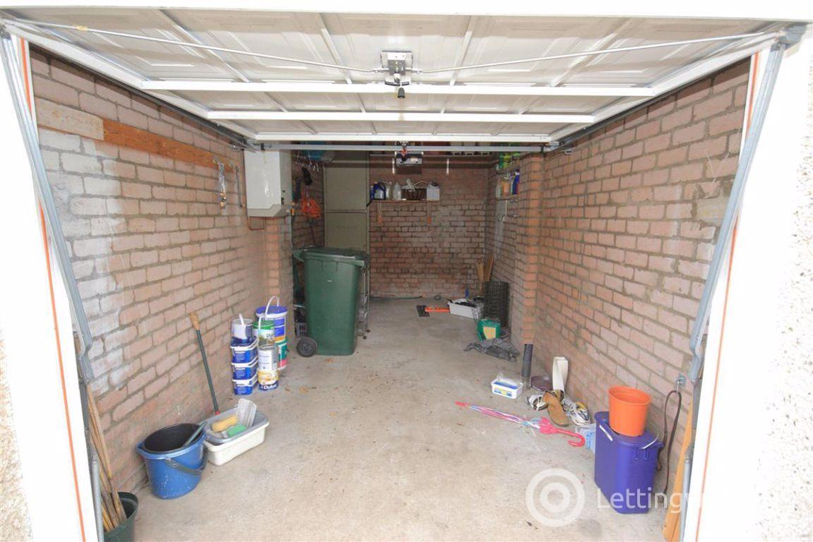 Property to rent in Braehead Drive