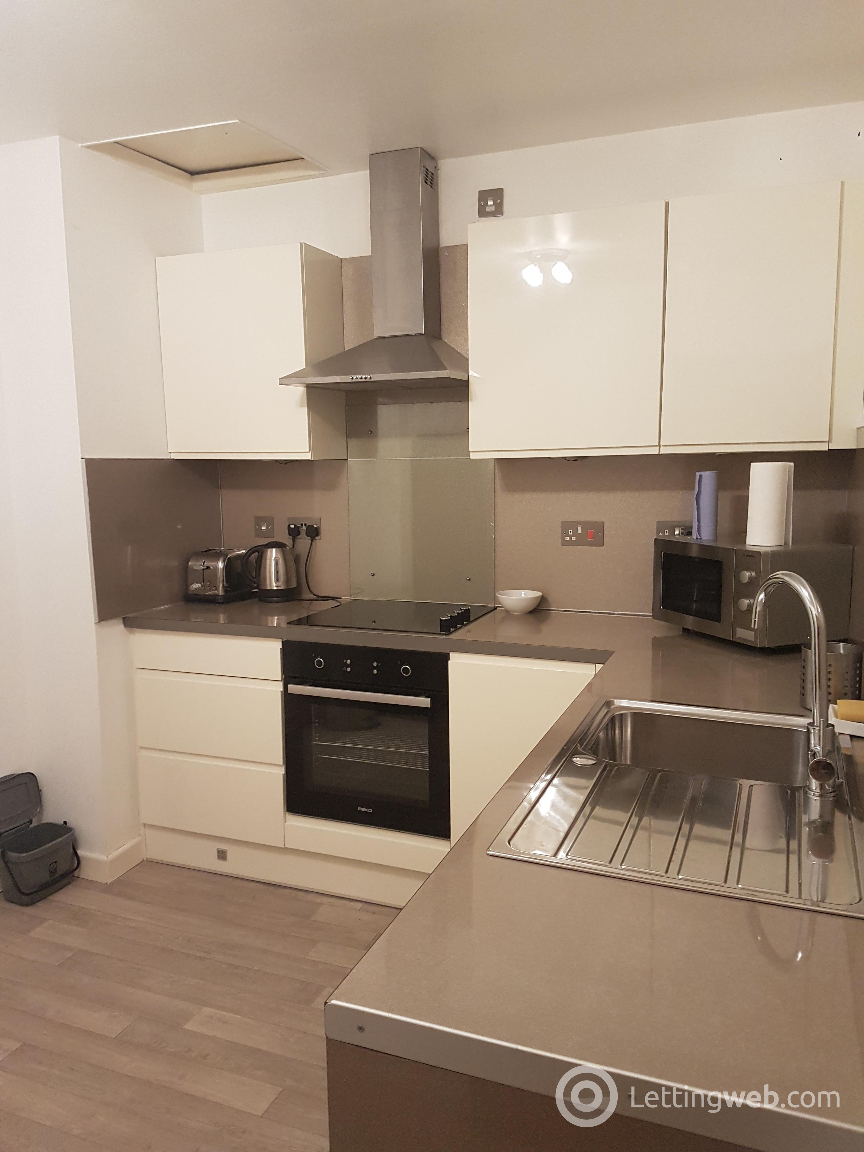 Property to rent in Sauchiehall Street