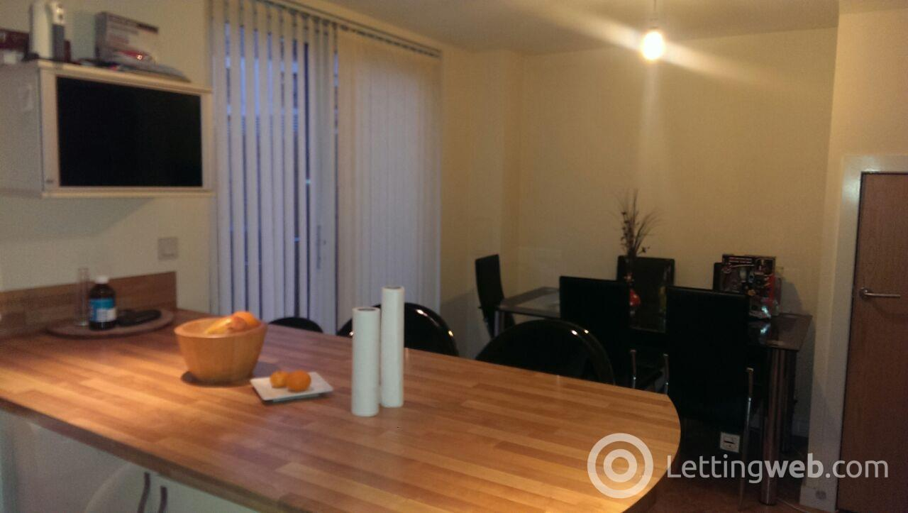 Property to rent in Midhope Drive