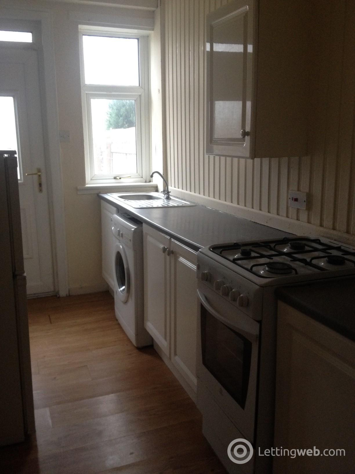 Property to rent in Mavisbank Street