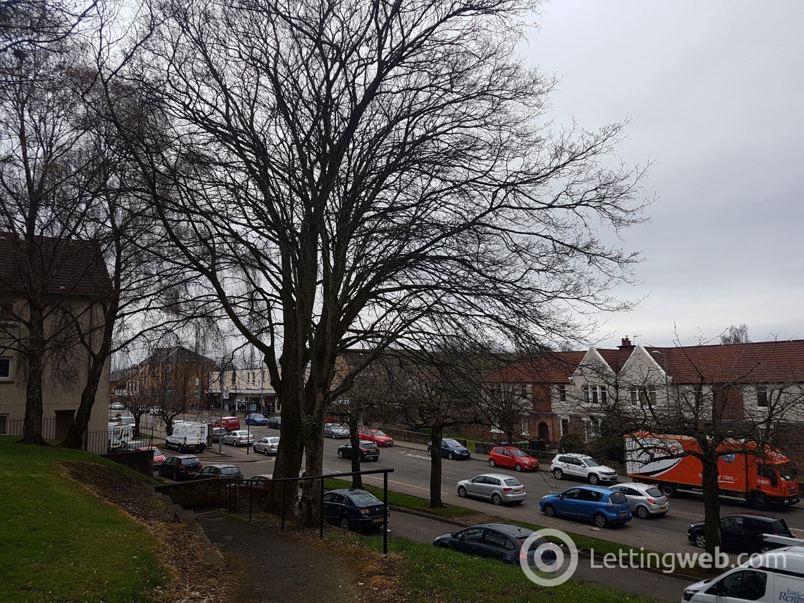 Property to rent in Crosslees Road