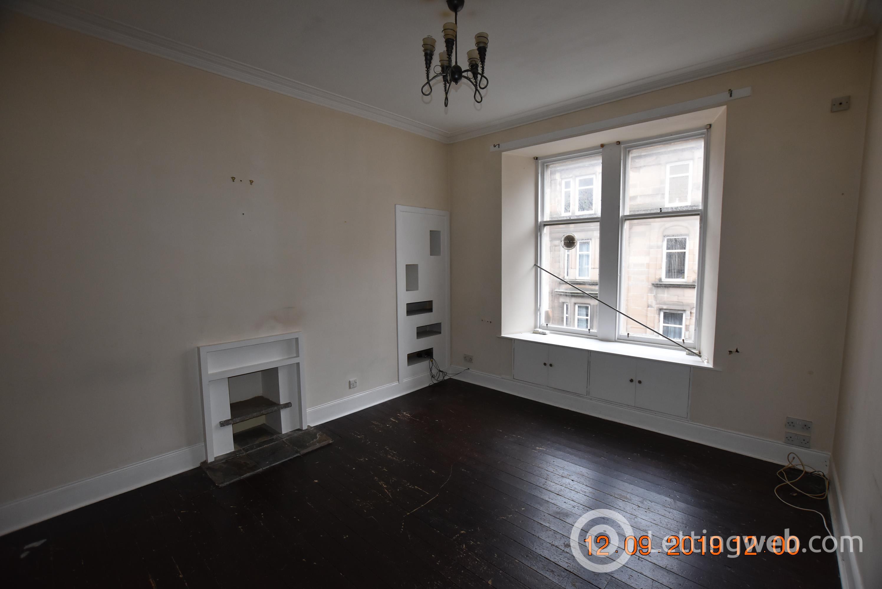 Property to rent in 36 2-2 Scott Street