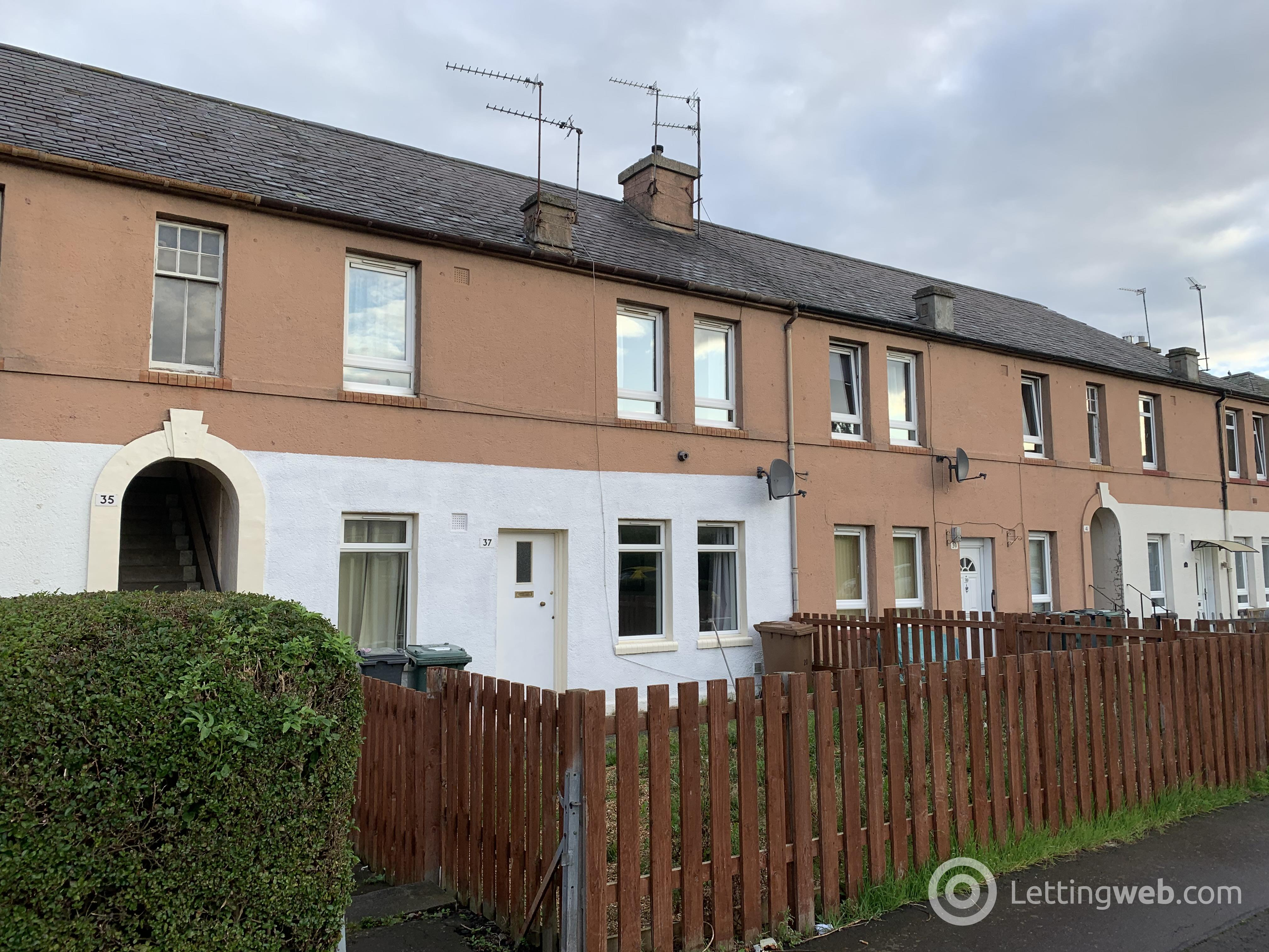 Property to rent in Stenhouse Crescent