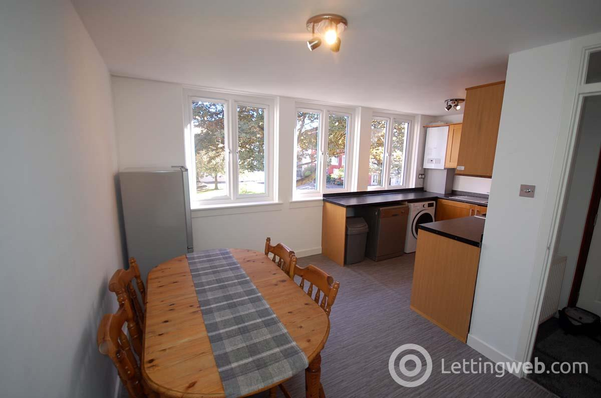 Property to rent in Bedford Court