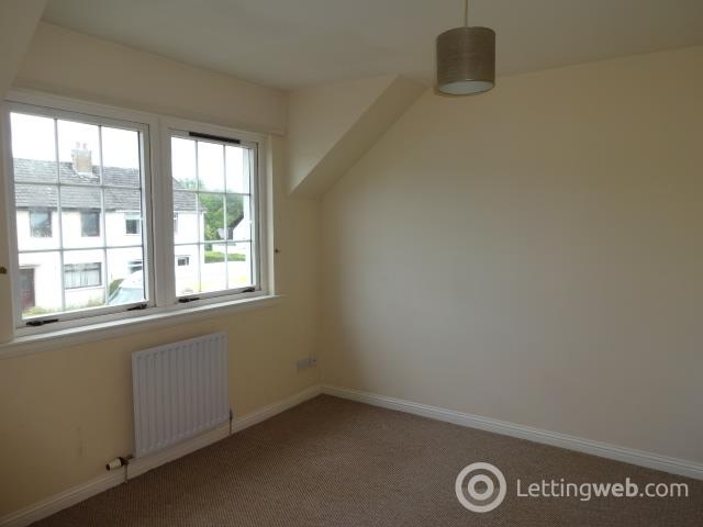 Property to rent in Beech Hedges