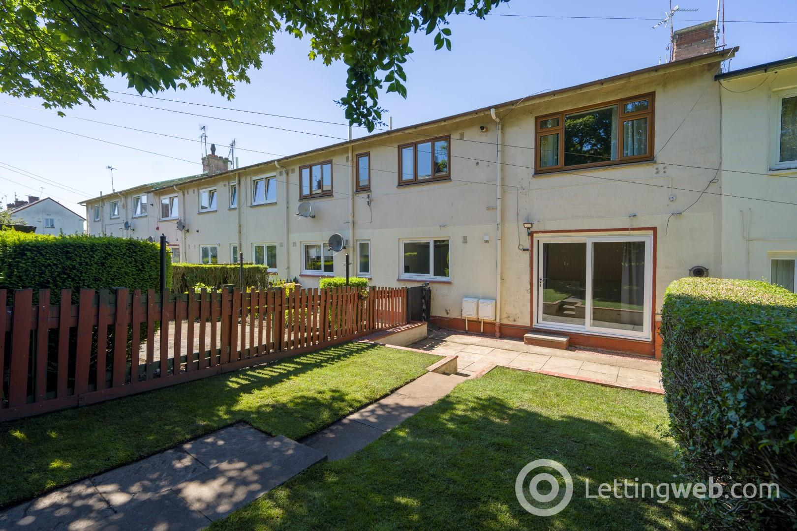 Property to rent in Walter Scott Avenue