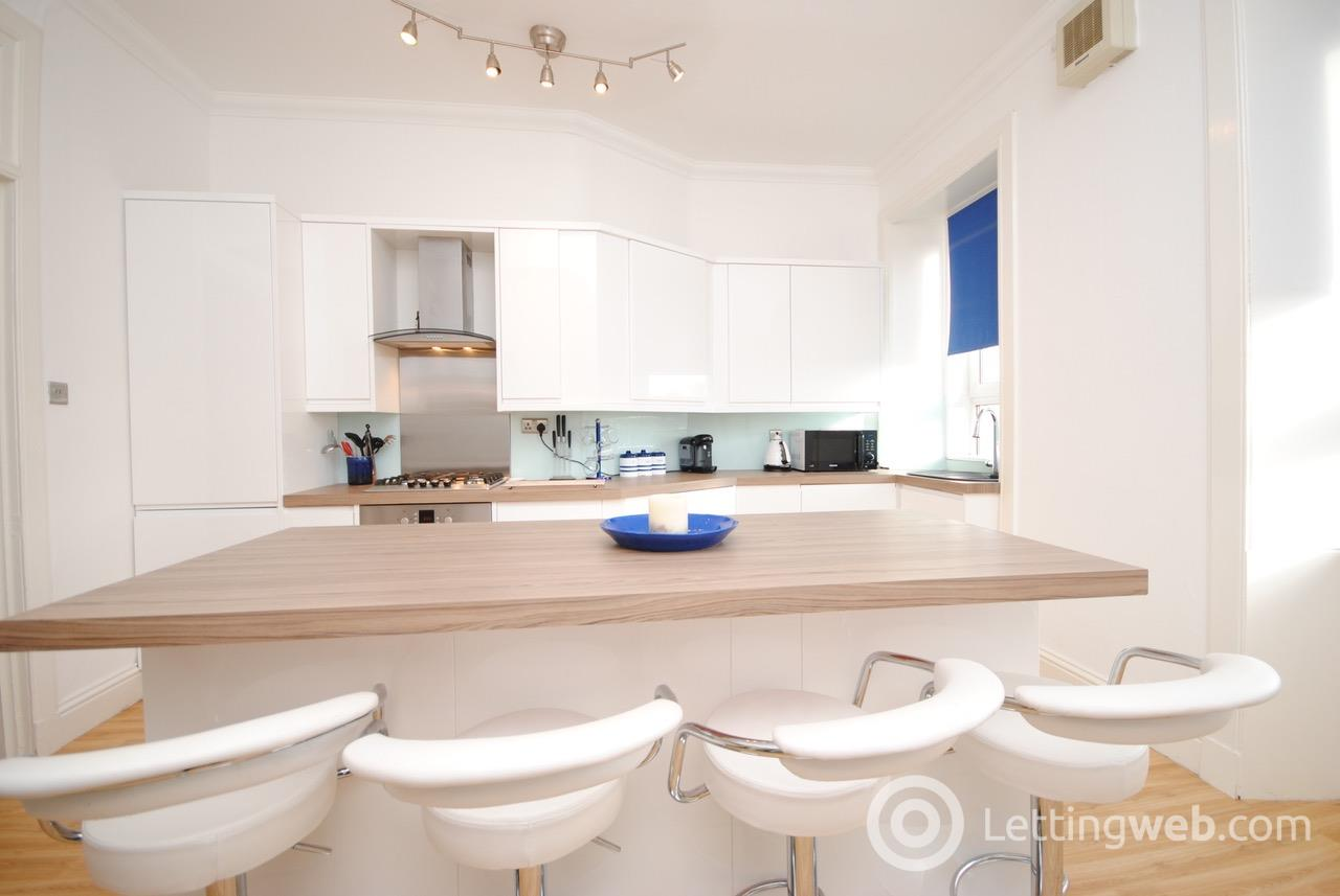 Property to rent in Portland Place