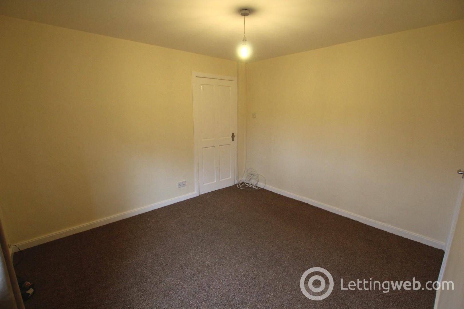 Property to rent in West Avenue, G71