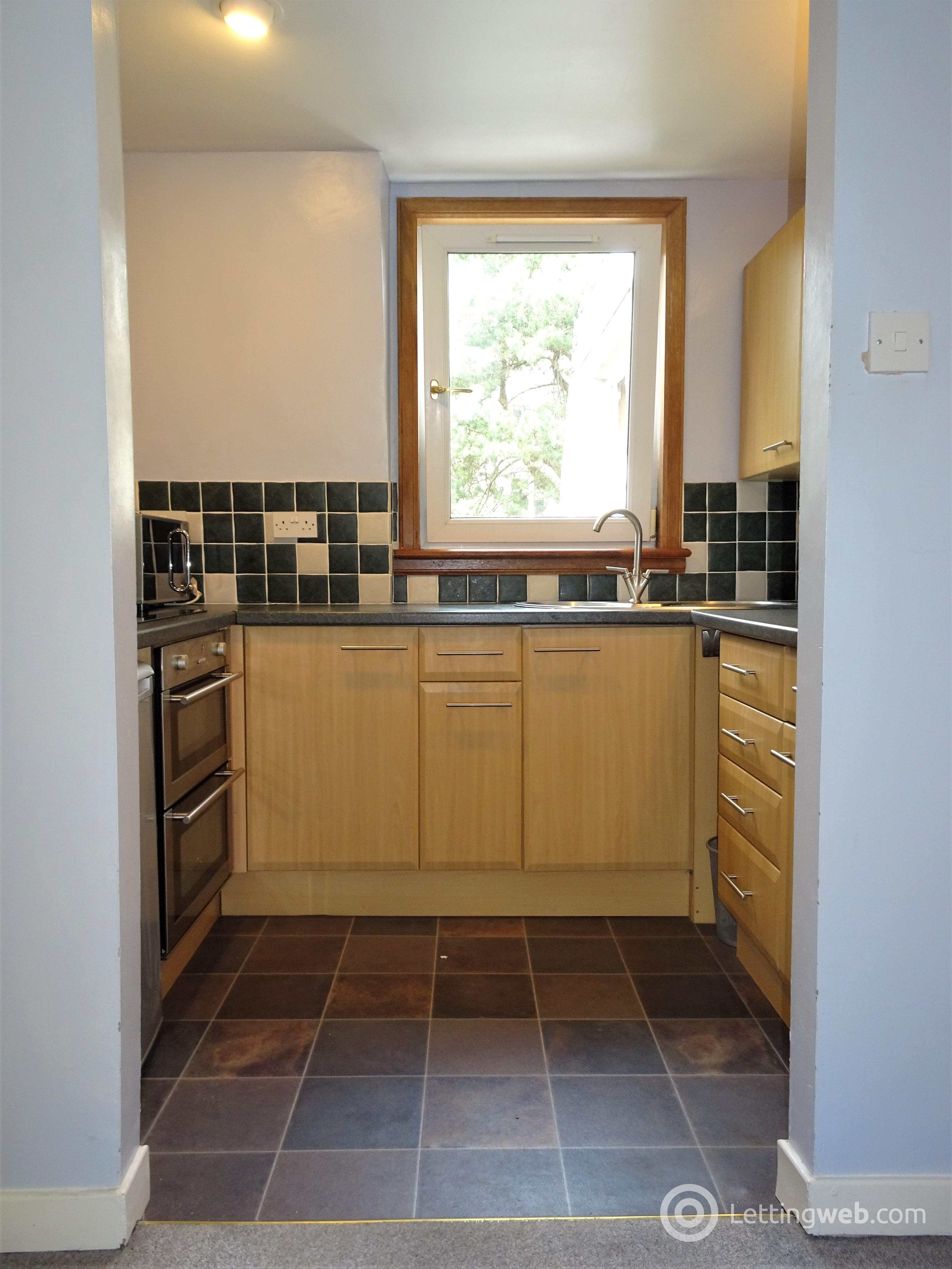 Property to rent in 72A ROSEMOUNT PLACE