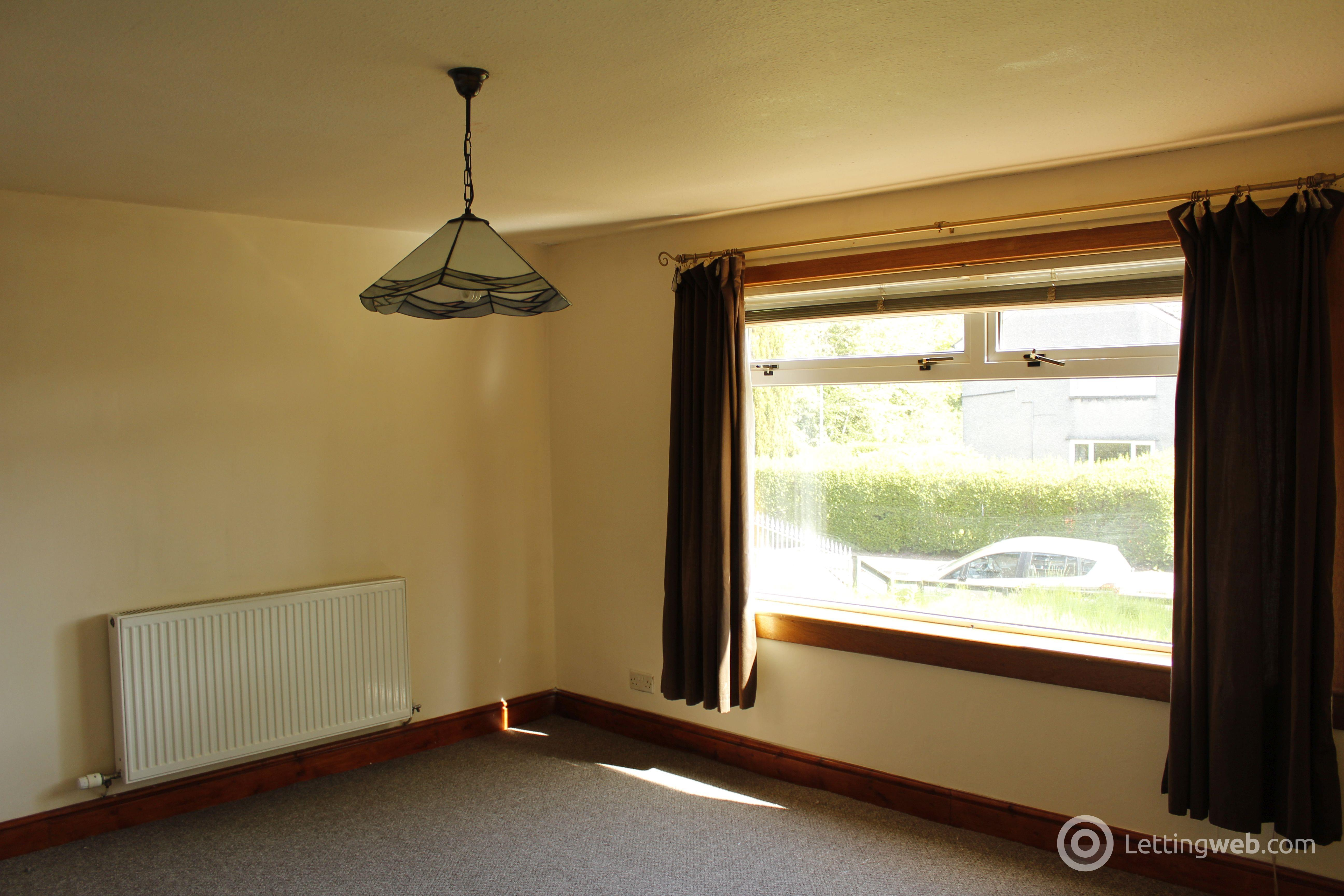 Property to rent in Moss Road