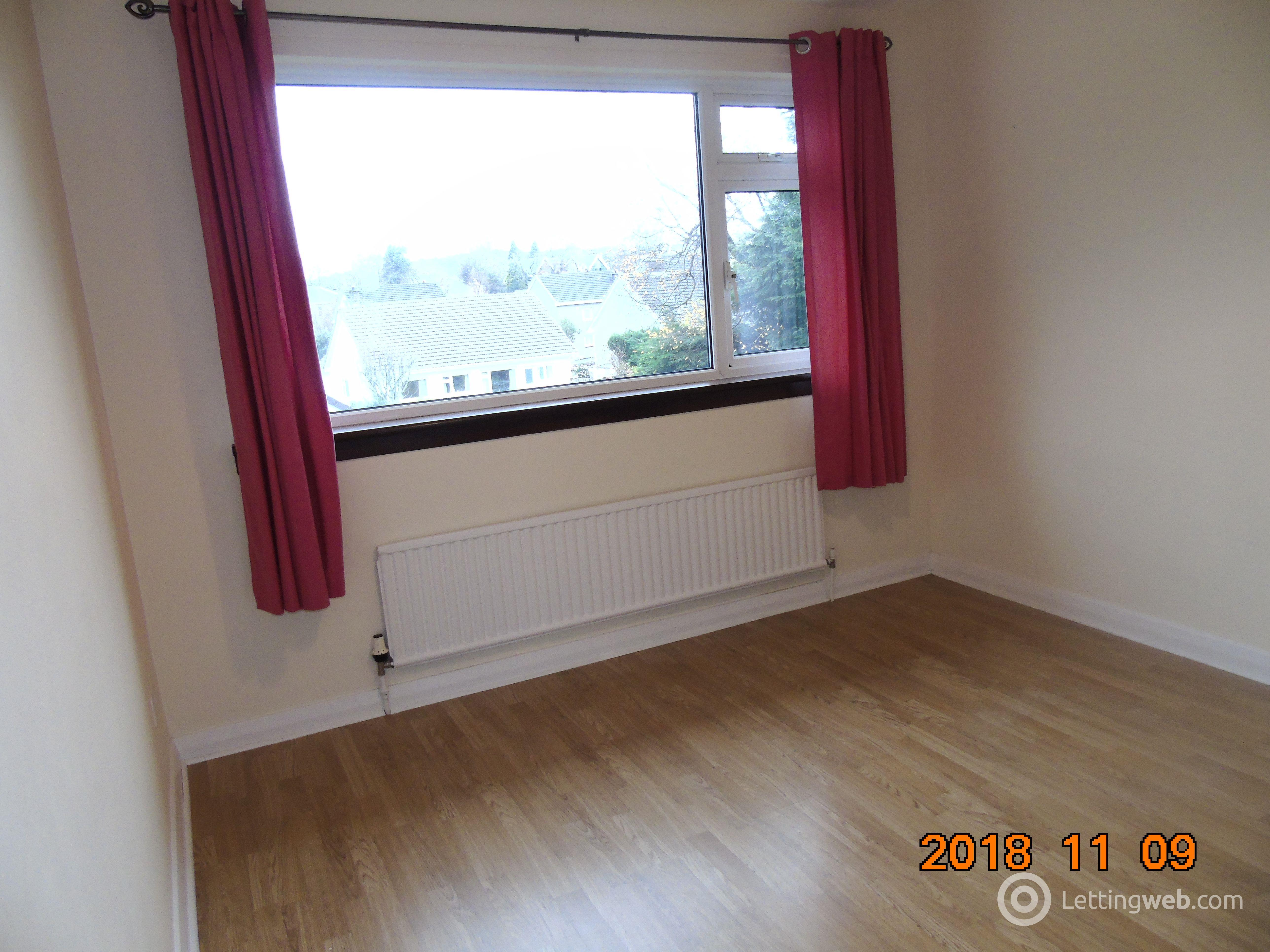 Property to rent in Kenmore Road