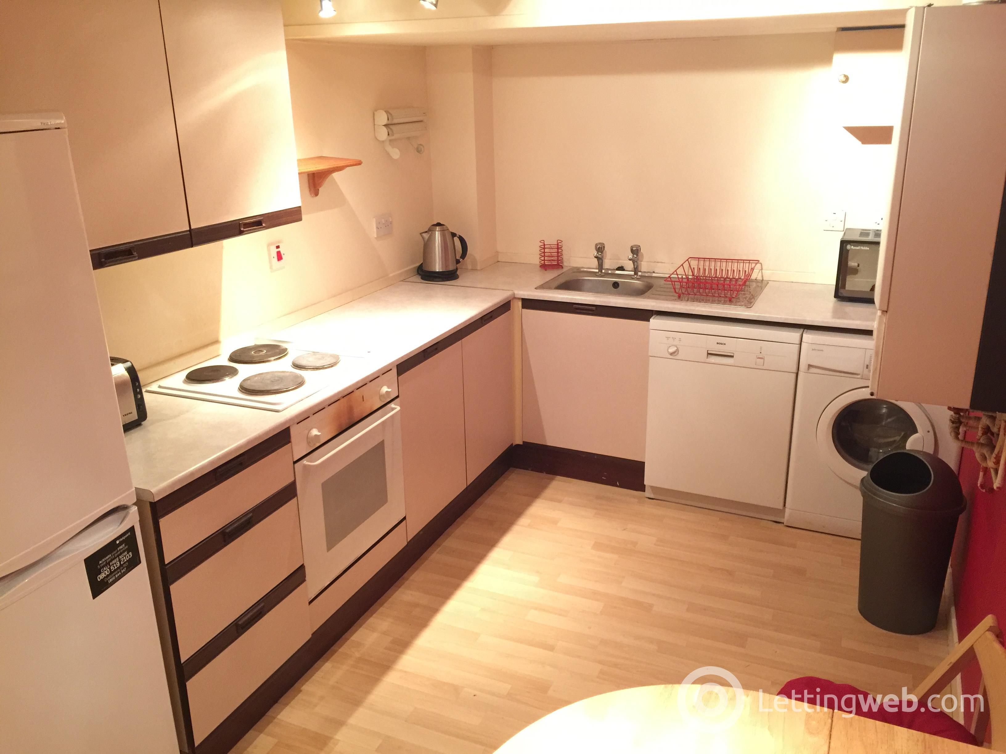 Property to rent in BAKER STREET
