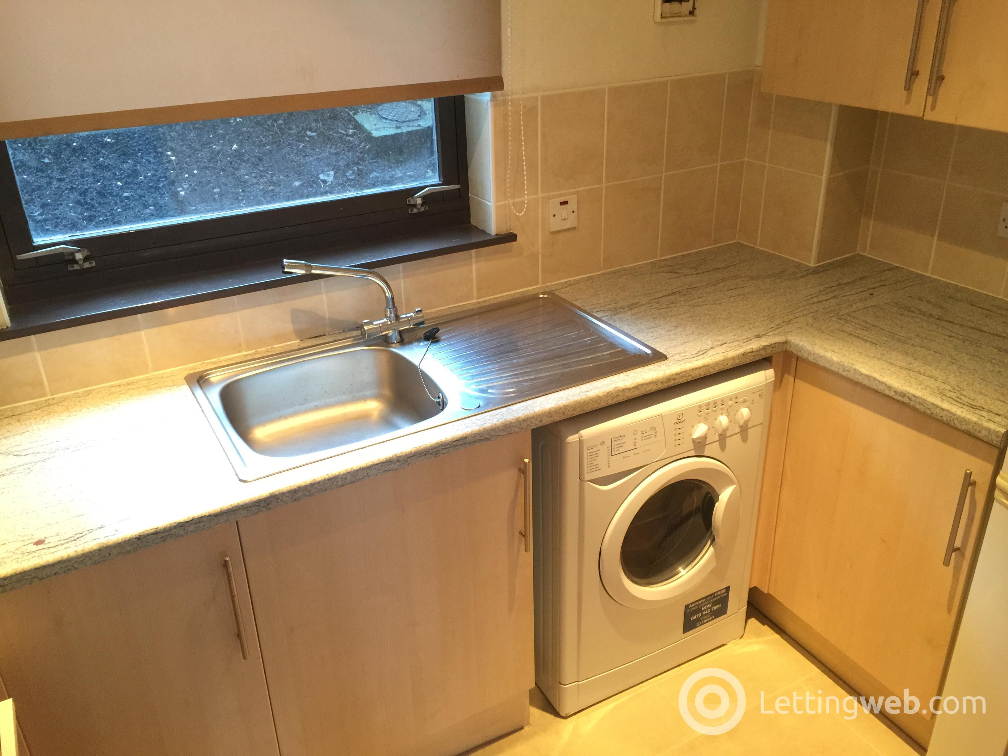Property to rent in FROGHALL VIEW