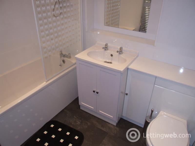 Property to rent in Marywell Street