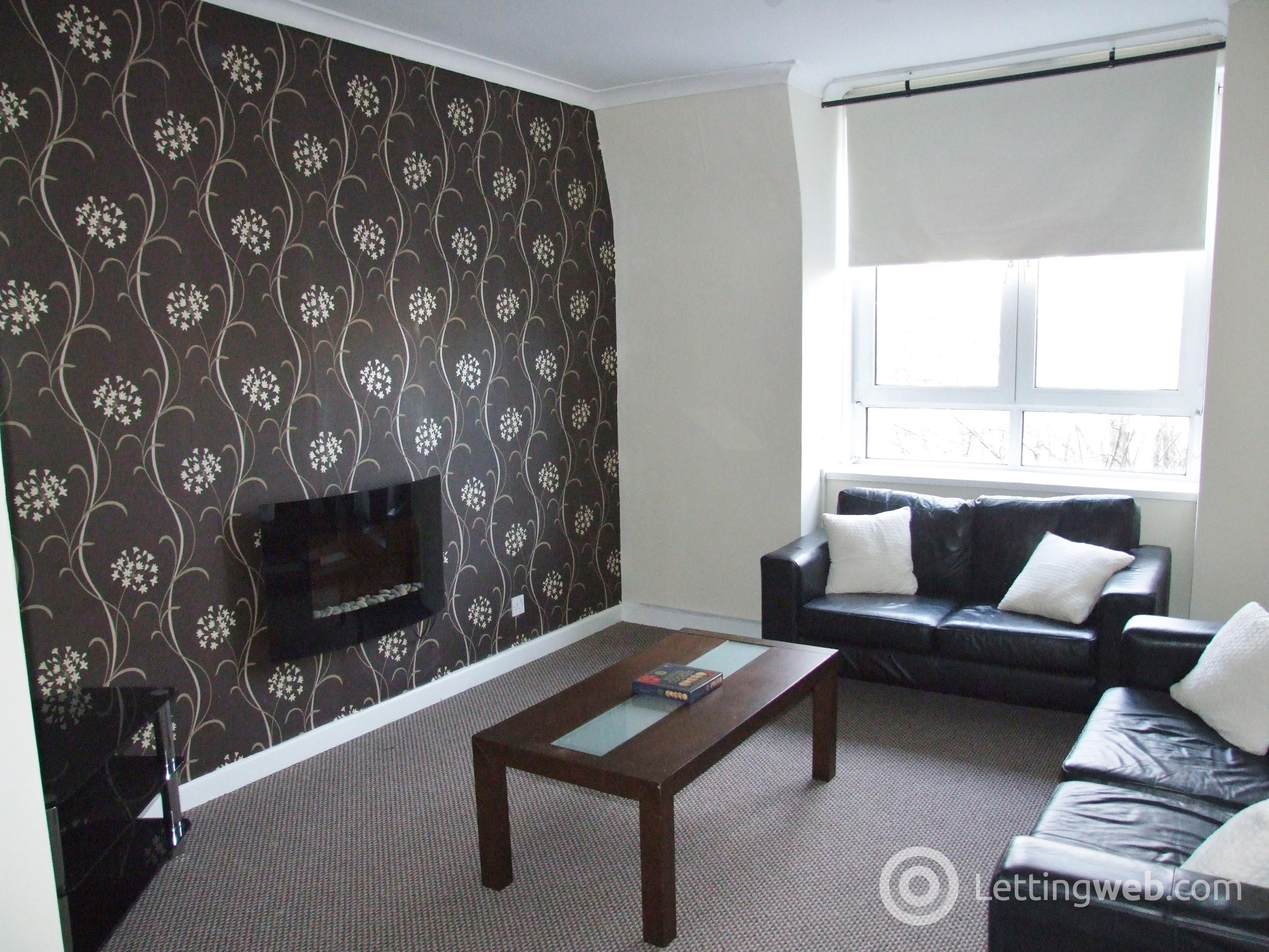 Property to rent in Victoria Road