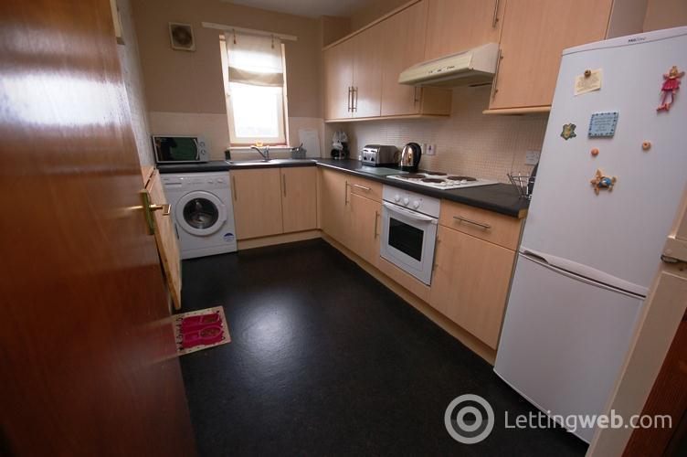 Property to rent in Westburn Middlefield, Edinburgh, EH14