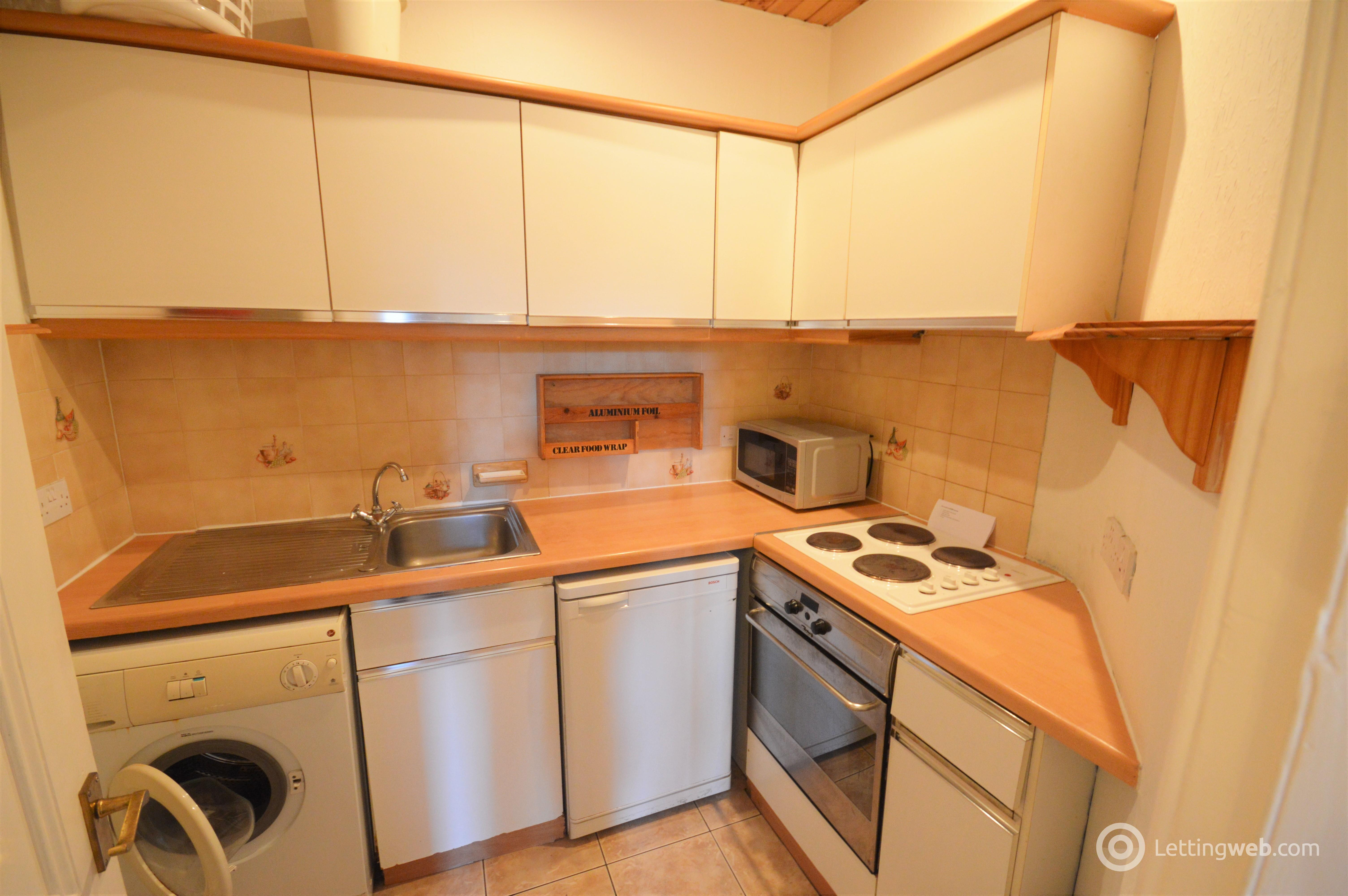 Property to rent in Springvalley Gardens, Edinburgh, EH10