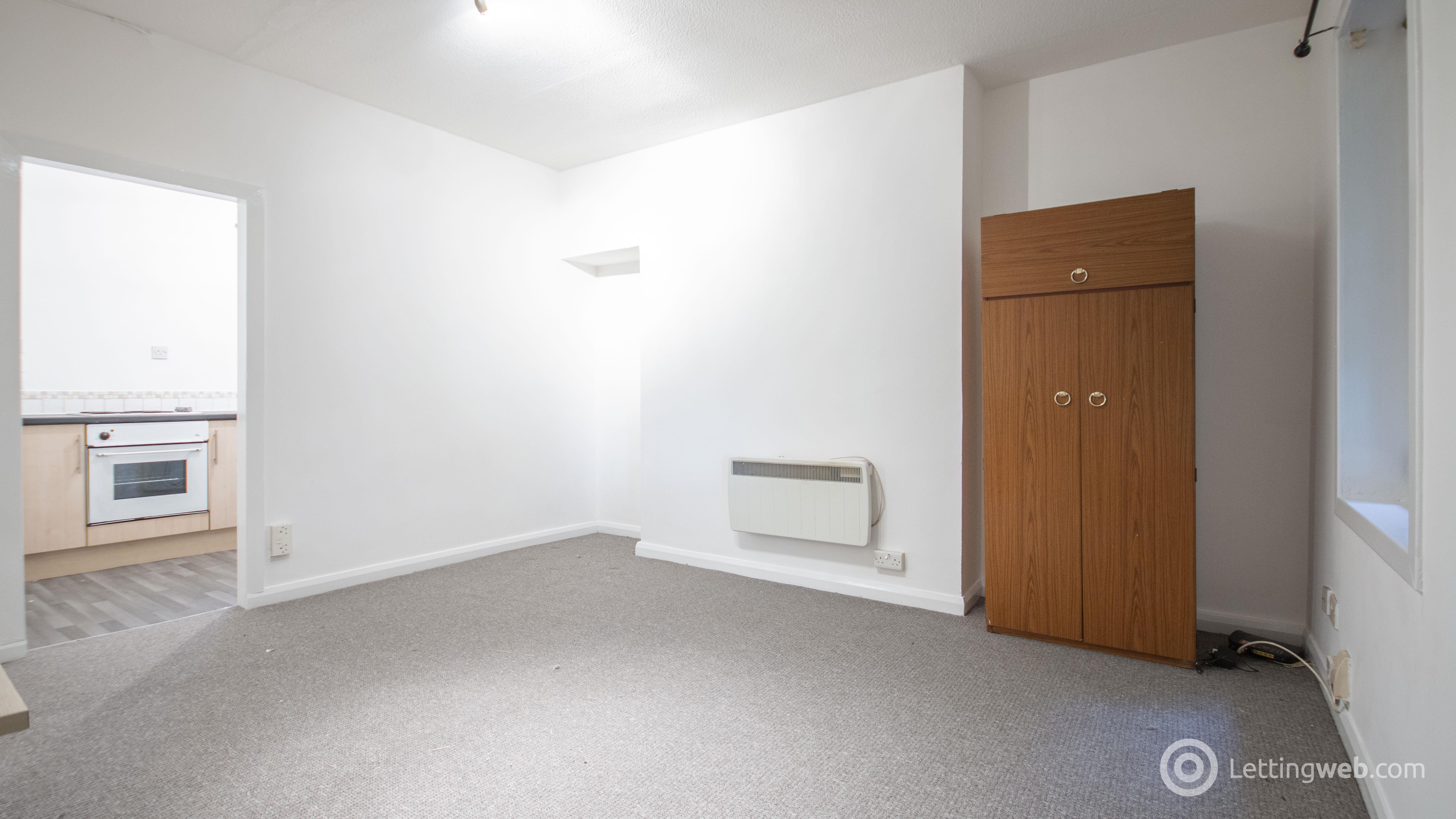 Property to rent in West Pilton Park, Edinburgh, EH4