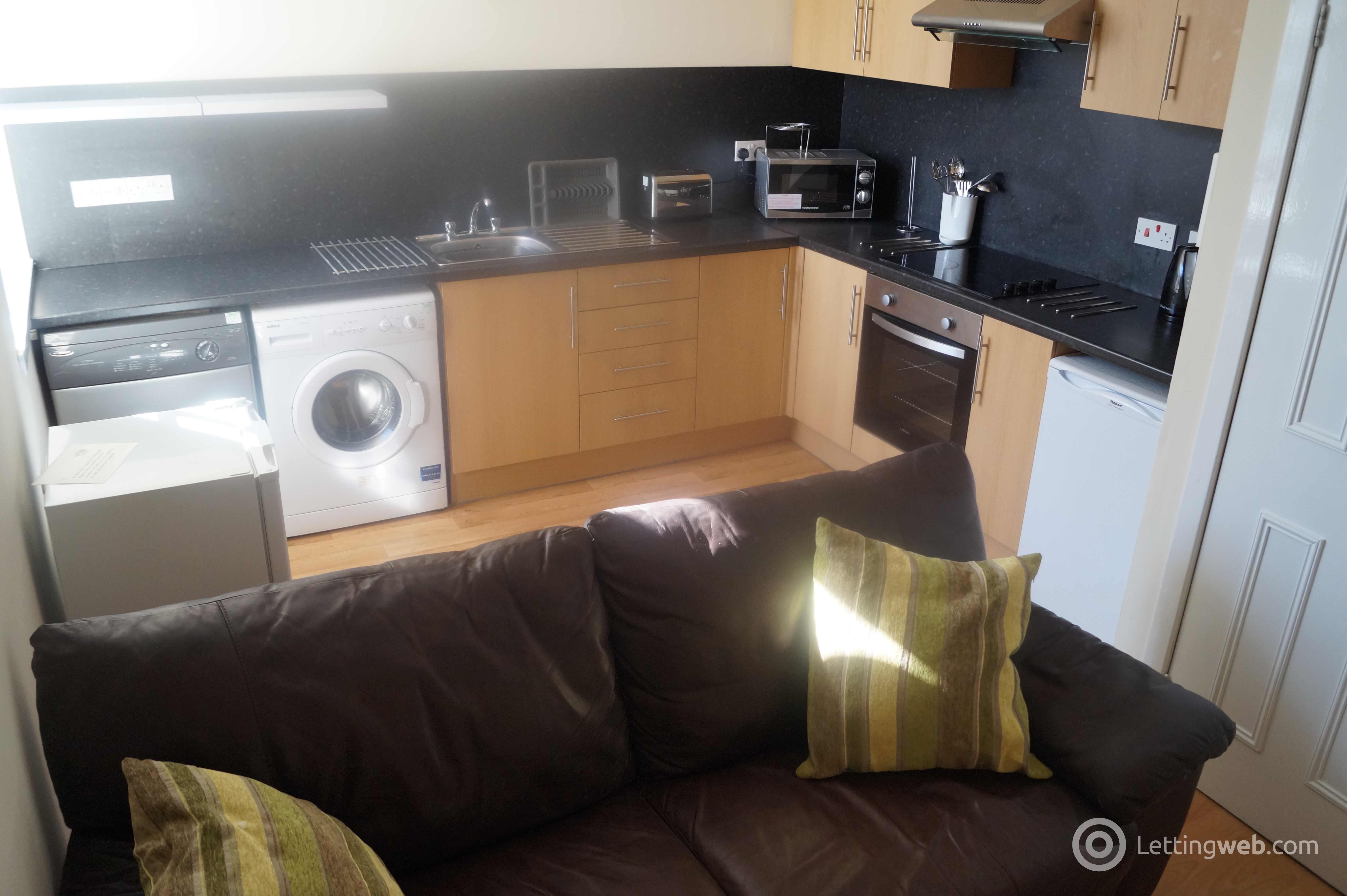 Property to rent in Marischal Street, Flat C