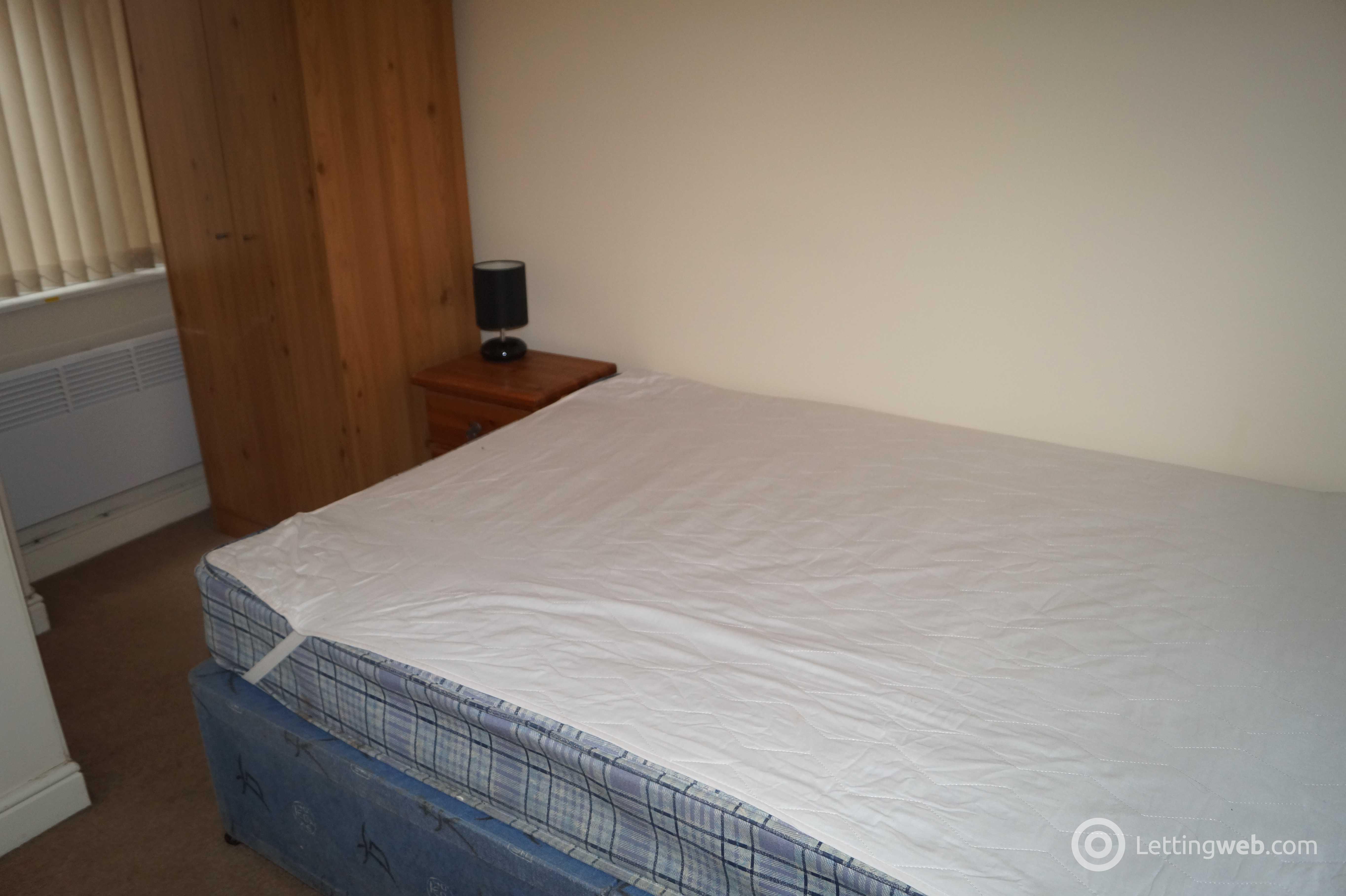 Property to rent in 14 Marischal Street