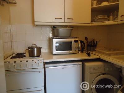 Property to rent in Causewayside, Newington, Edinburgh, EH9 1QF