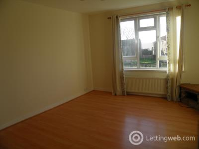 Property to rent in Aboyne Avenue, Dundee.