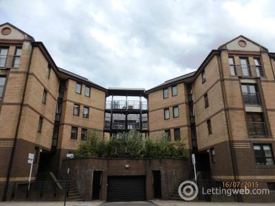 Property to rent in Brown Street