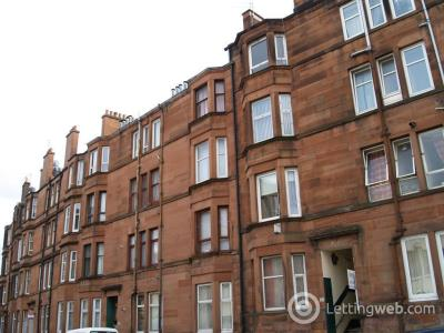 Property to rent in Newlands Road