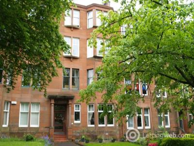 Property to rent in Woodcroft Avenue