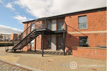 Property to rent in 5 Quayside Mews, City Quay, Dundee, DD1 3HZ