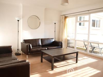 Property to rent in Queens Park Court, Edinburgh, EH8 7DY