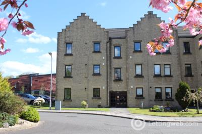Property to rent in 30 Weirs Gate, Strathaven, ML10 6LD
