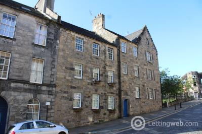 Property to rent in Broad Street, Stirling, FK8 1EE